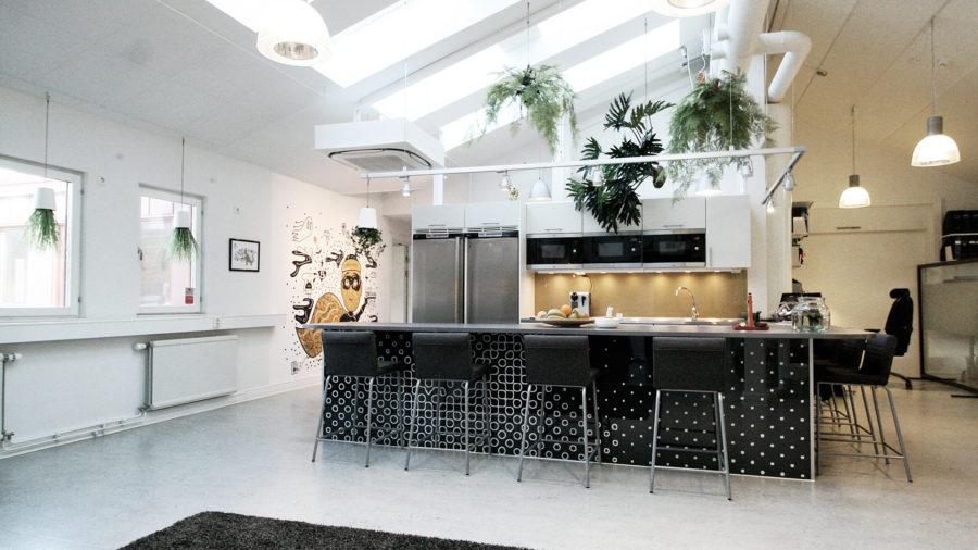 bar_kitchen_assured_1920